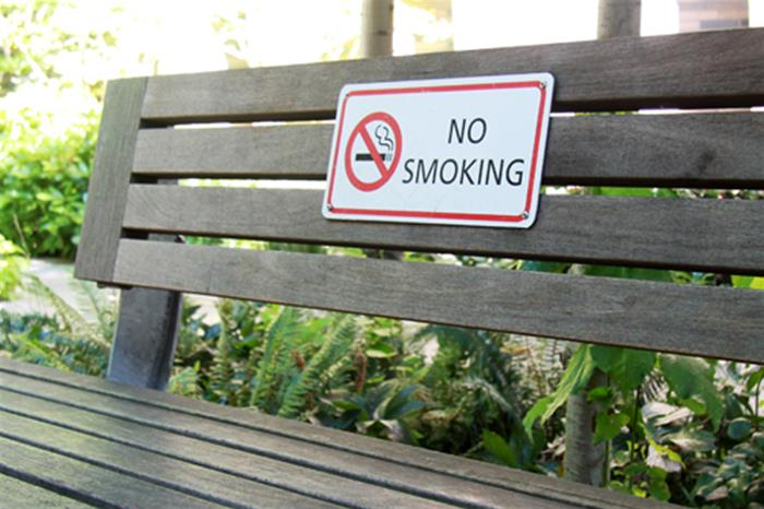 seattle-bans-smoking-in-its-465-parks_thumb.jpg